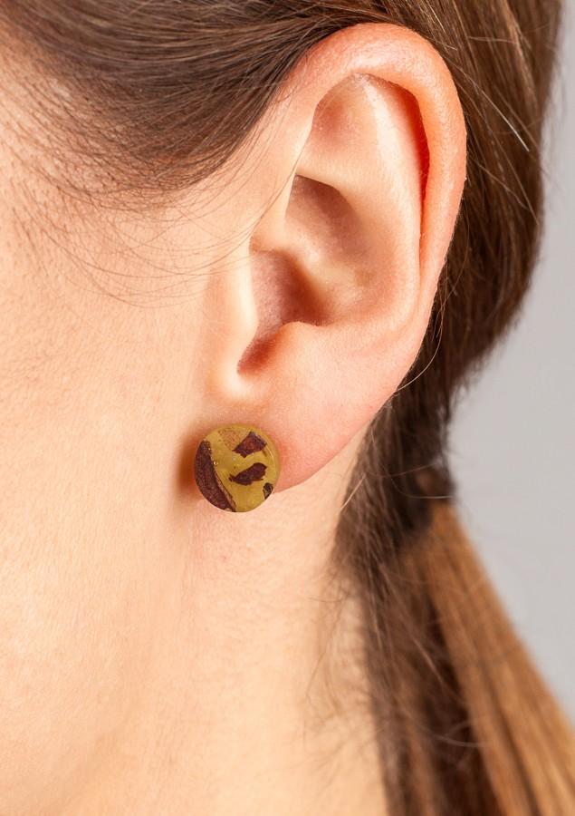 POINT OLIVE GREEN earrings